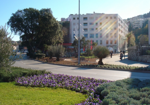 Park na spoju Vukovarske Ulice i Ulice Dr. Ante Starčevića